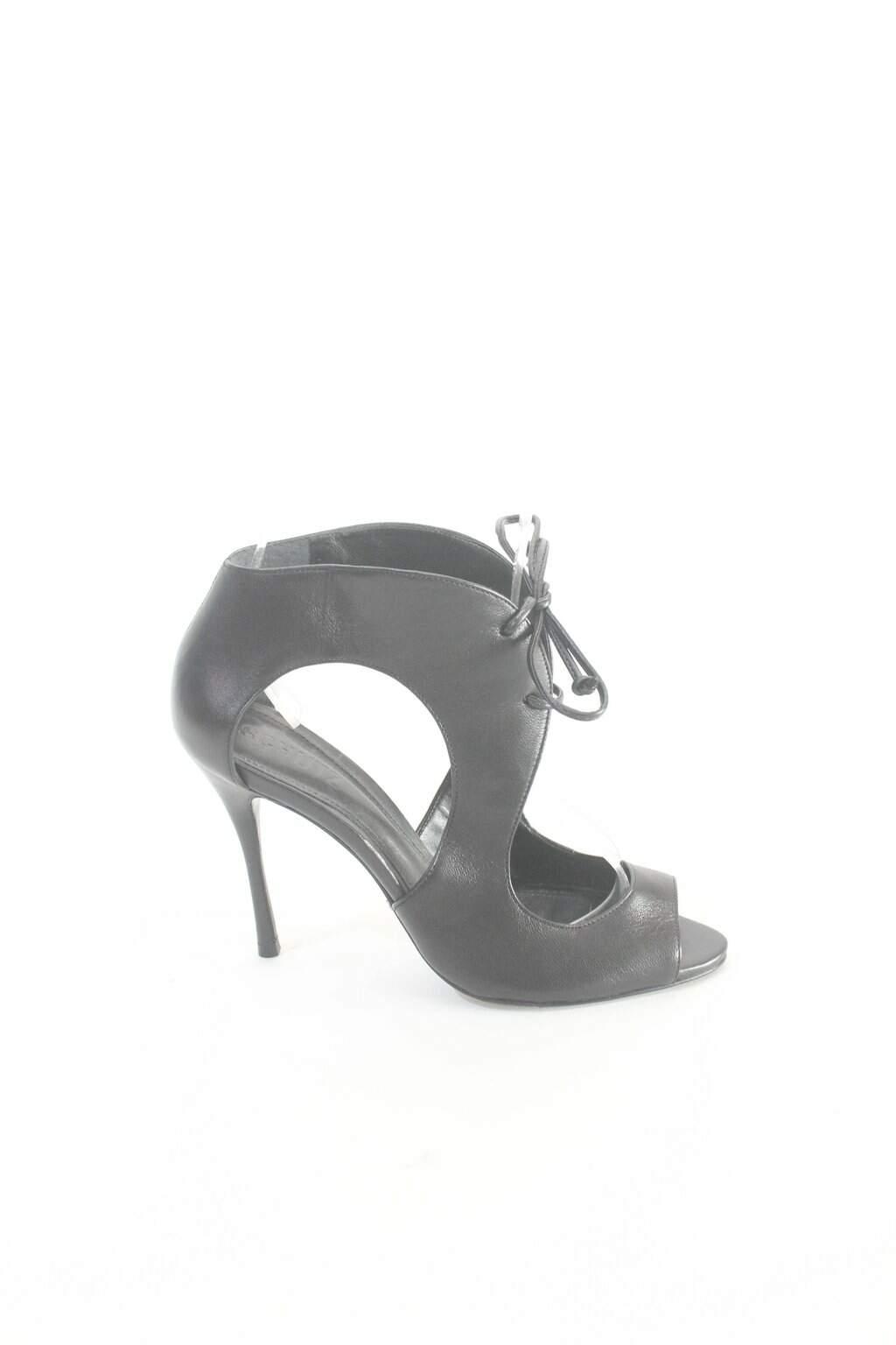 Sapato Preto Recortes Schutz