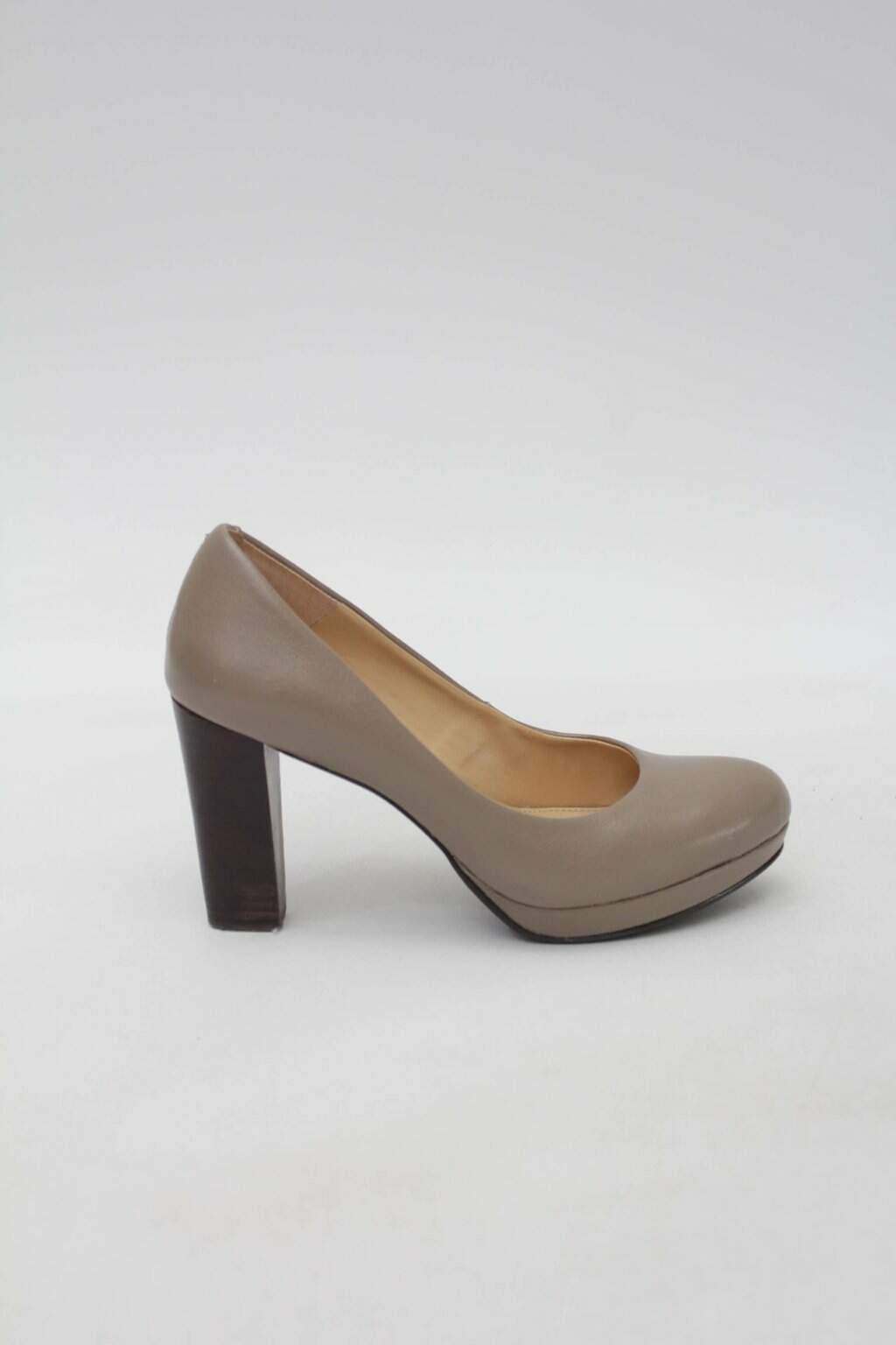 Sapato Scarpin nude corello