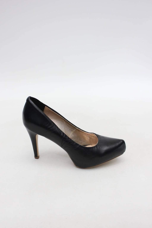 Sapato preto alcione santos