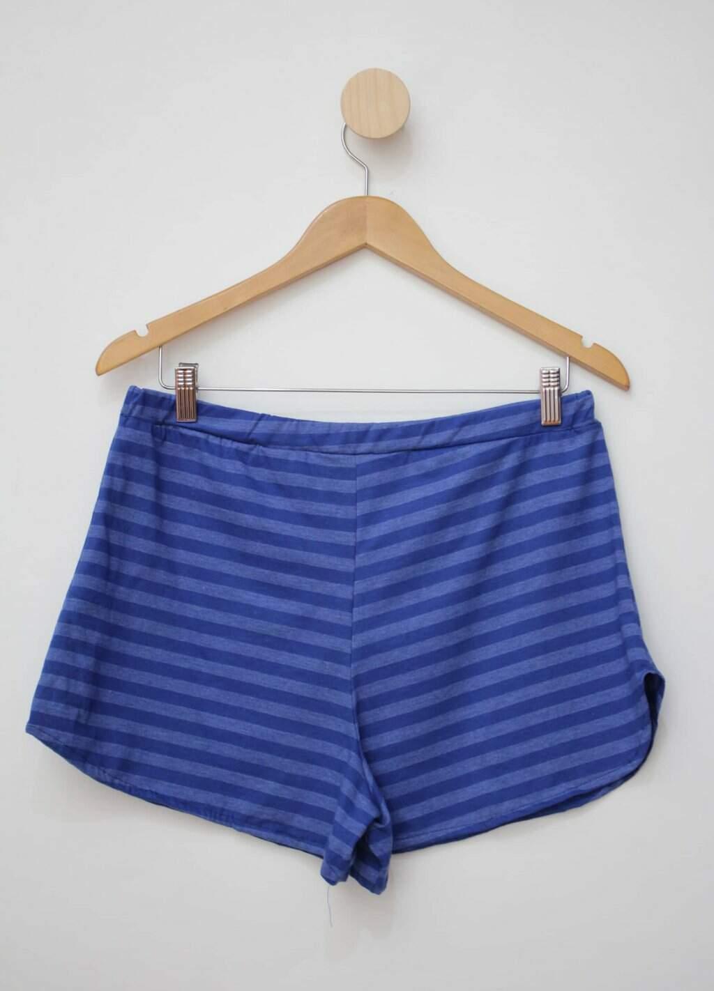 Shorts azul curto listrado magazine montinegro