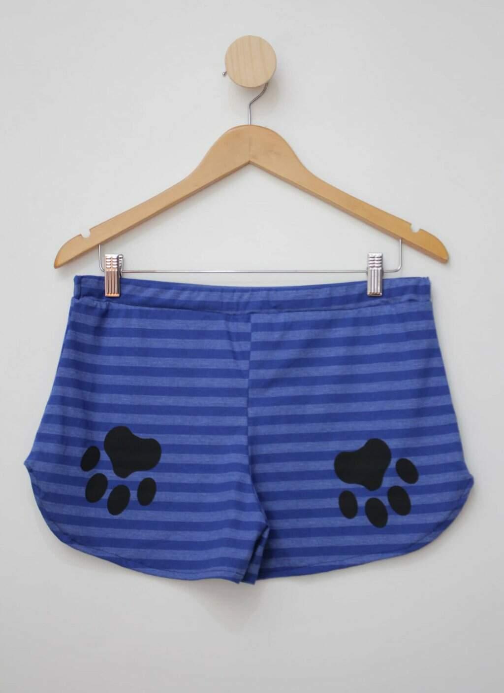 Shorts azul listrado com silk magazine montinegro