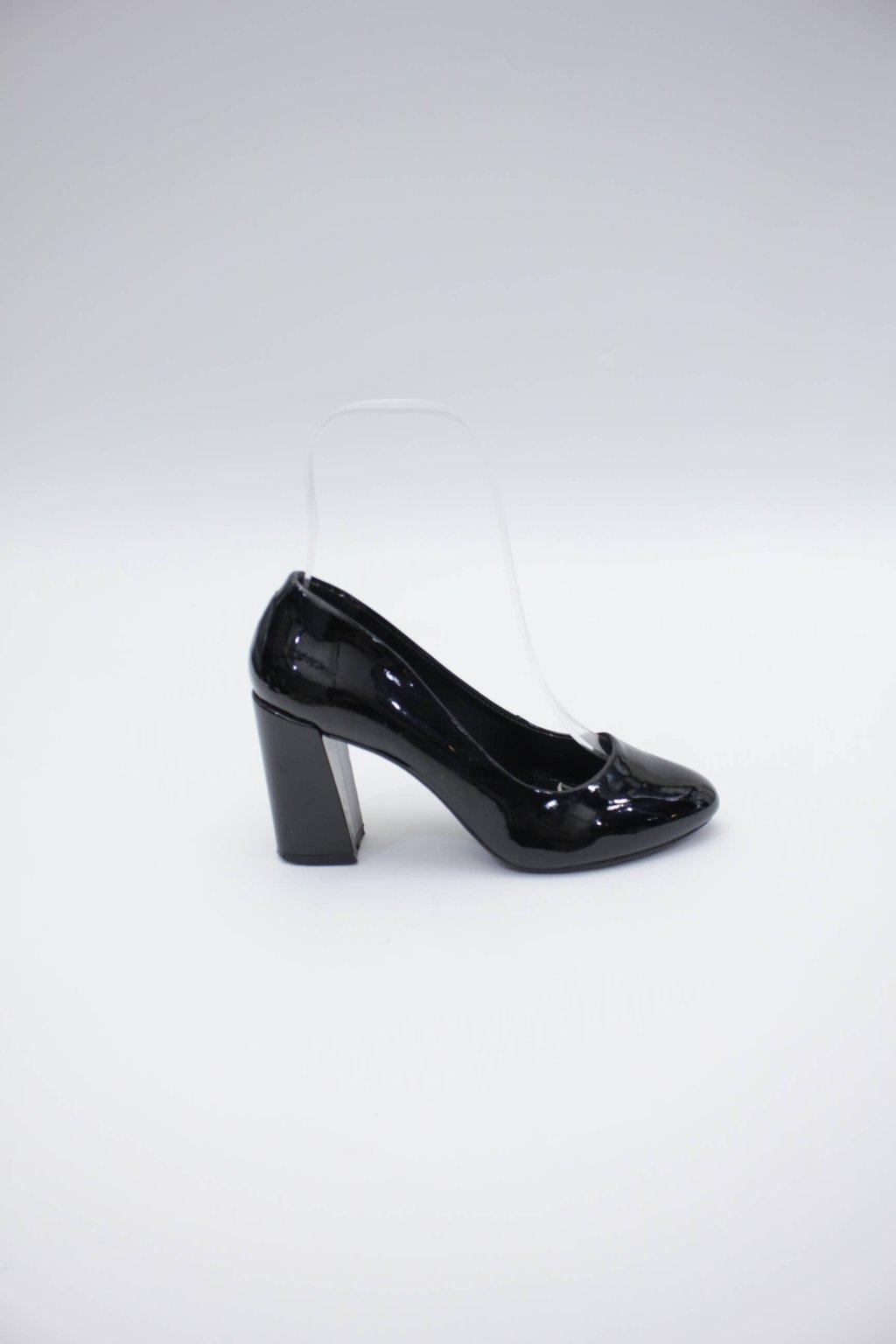 Sapato preto prego