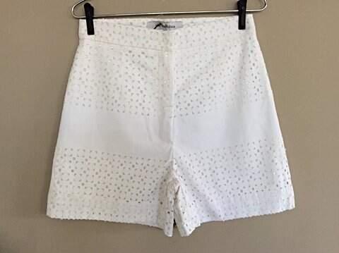 Shorts Branco Remy 2 - Sta. Ephigênia_foto principal