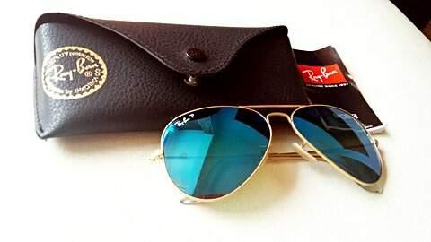 Óculos de sol Ray Ban, aviador, azul espelhado._