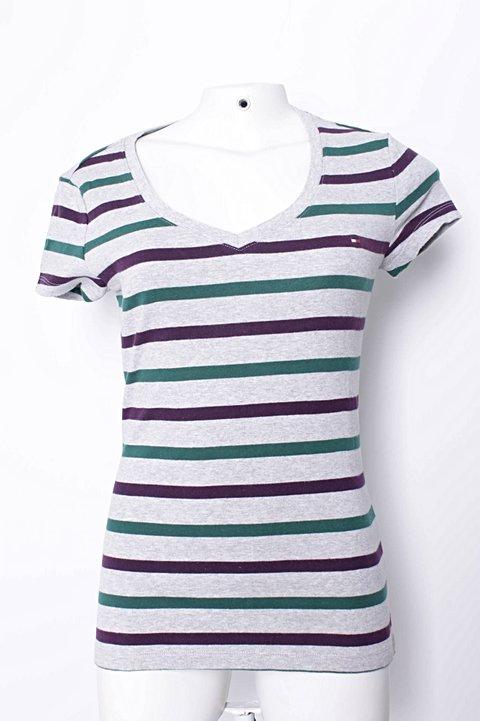dc85517e8c Camiseta Listrada Tommy Hilfiger - compre por menos