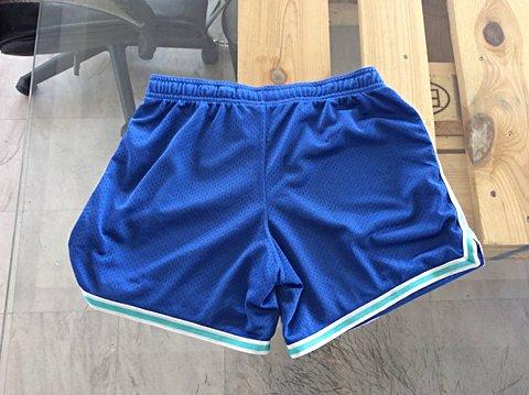 Shorts Nike Azul _foto de costas