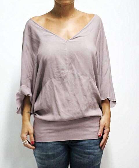 Blusinha Zara com Decote de Renda nas Costas_