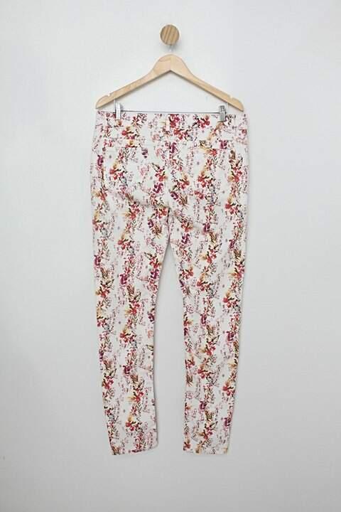 Calça Jeans alk jeans feminino estampado_foto de costas