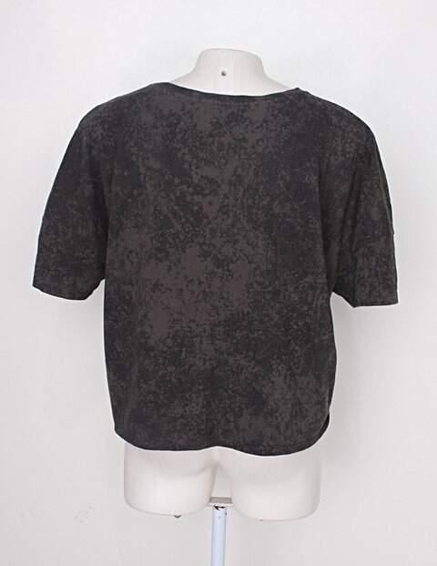 Blusa marisa feminina estampada _foto de costas