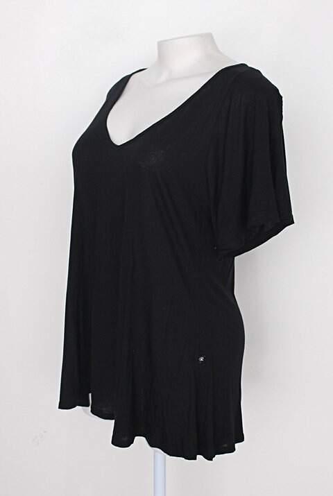 Blusa feminina preta de viscose_foto de costas