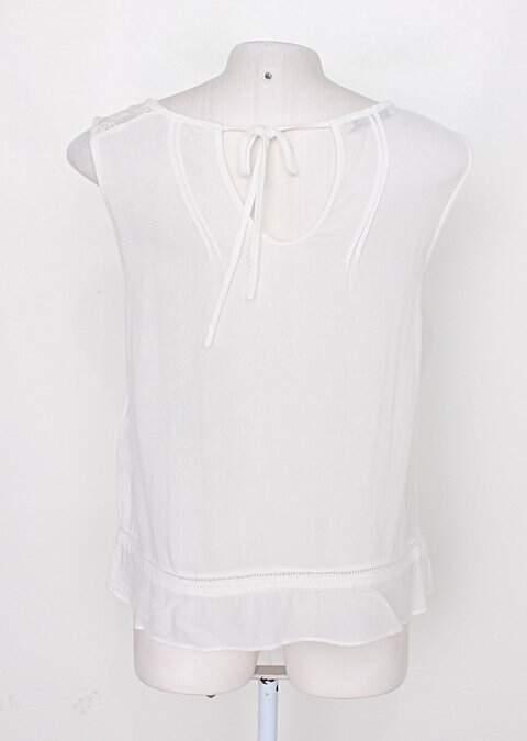 Regata de viscose cor doce feminina off-white claro _foto de costas