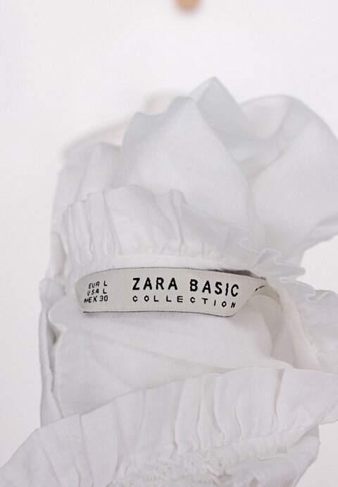 Blusa zara feminina branca com plissado_foto de detalhe
