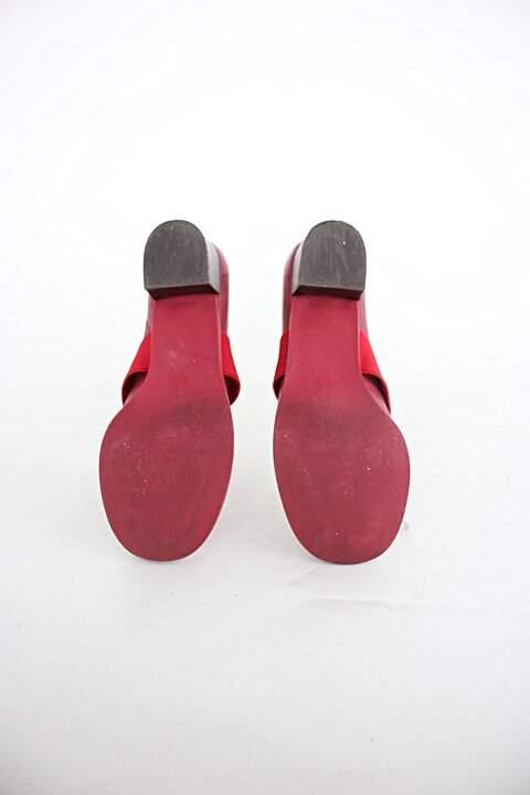 Sapato unkcle k feminino vermelho escuro c/ elástico_foto de costas