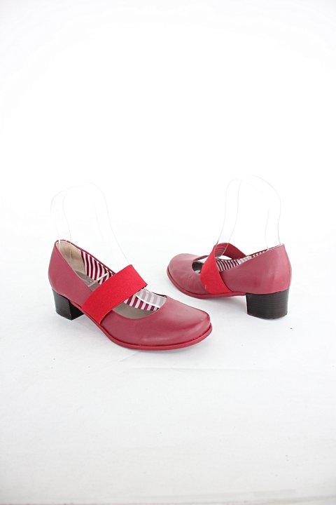 Sapato unkcle k feminino vermelho escuro c/ elástico_foto de detalhe