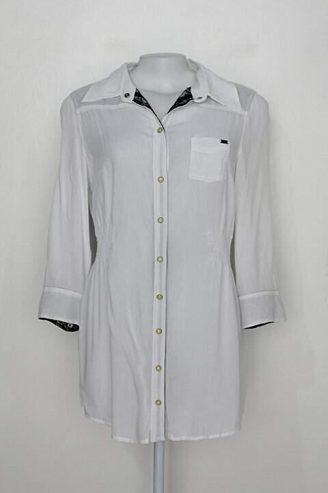 Camisa alongada guess feminina branca com detalhes de Renda_foto principal