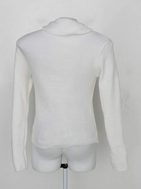 Malha azrra feminina branco_foto de costas