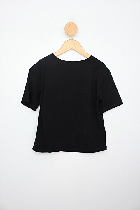 Camiseta Infantil shein preto com pelucia _foto de costas