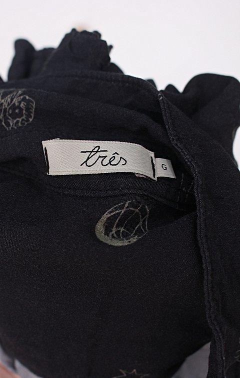 Camisa três feminina estampada_foto de detalhe