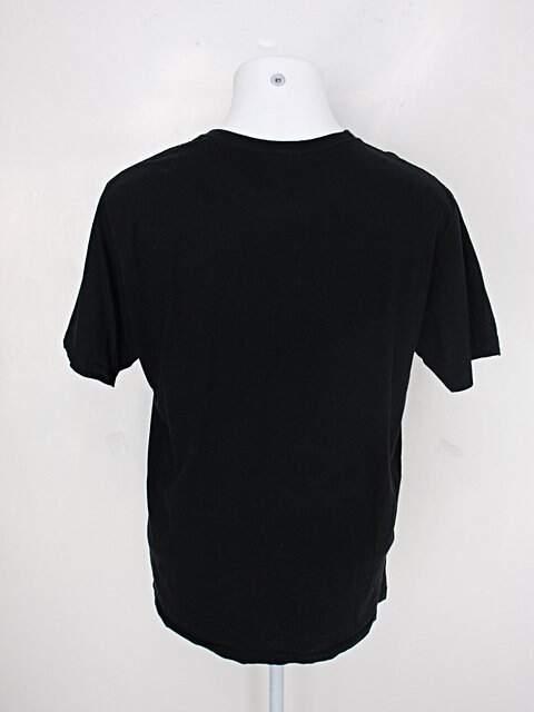 Camiseta fuzzy duck masculina preta com estampa queen _foto de detalhe