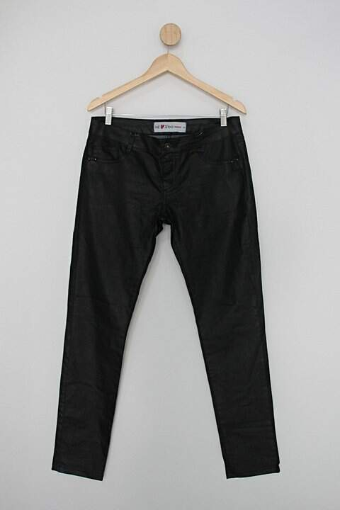 Calça de sarja marisa feminina preta com acabamento brilhoso_foto principal