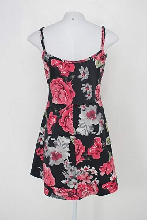 Vestido de alças reguláveis feminina estampado floral_foto de costas