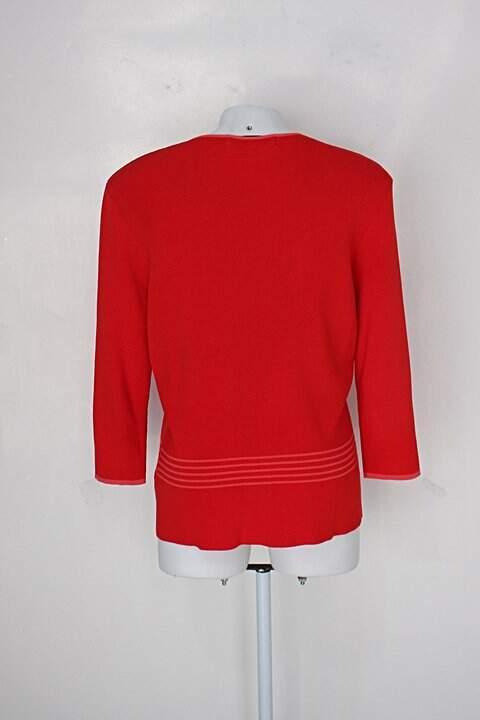 Cardigan piano feminino vermelho com listras_foto de costas
