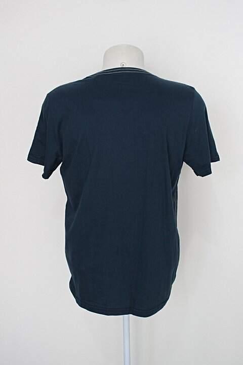 Camiseta dominio urbano masculina azul_foto de costas