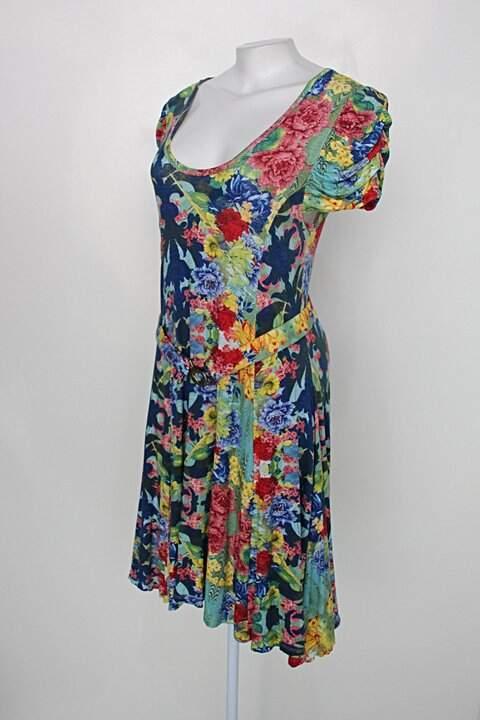 Vestido feminino estampado floral_foto de costas