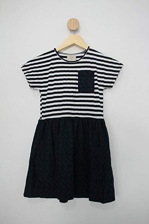 Vestido Infantil c&a off-white branco e azul _foto principal