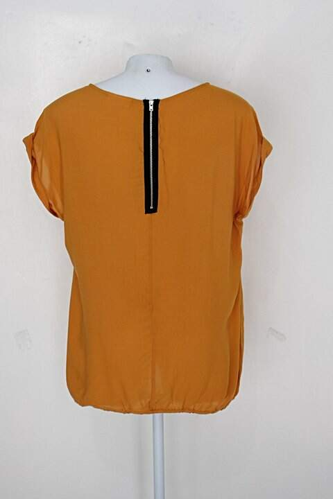 Blusa c&a feminina mostarda_foto de costas