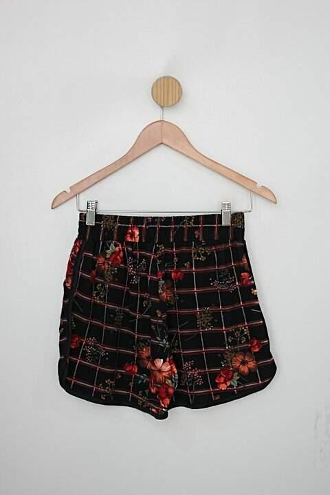 Shorts yaw fashion feminino preto estampado_foto de costas