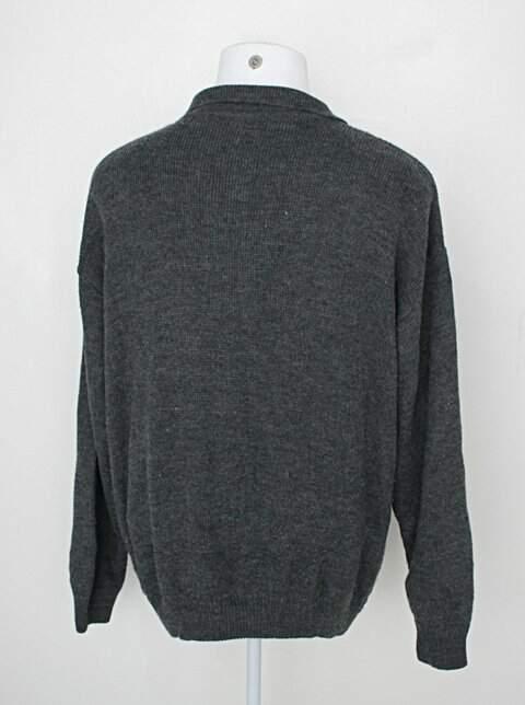 Malha Tricot masculina cinza escuro_foto de detalhe