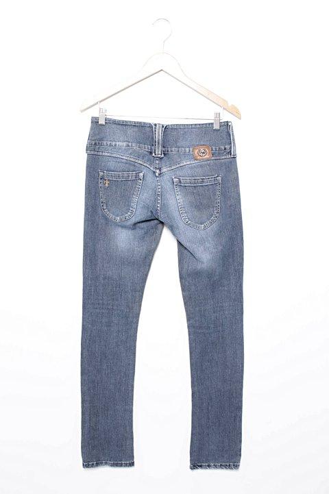 Calça Jeans De Cós Alto Carmim_foto de frente