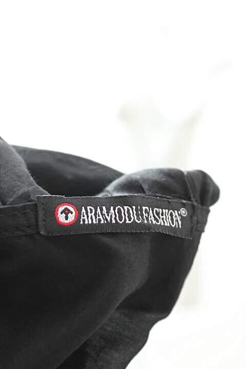 Blusa Aramodu Preta Babados_foto de costas
