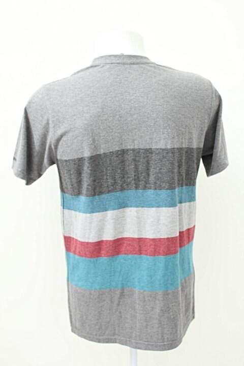 Camiseta Billabong Cinza Listras _foto de frente