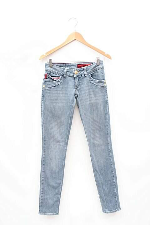 6a4b426be Calça Jeans Iódice - compre por menos | Repassa