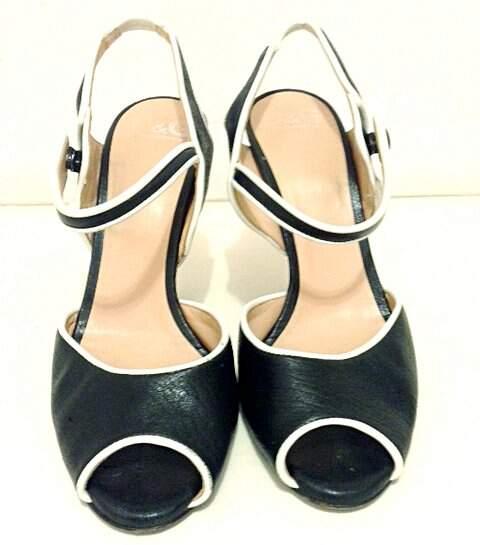 Sandália preta de Couro Dolce&Gabbana_foto de frente