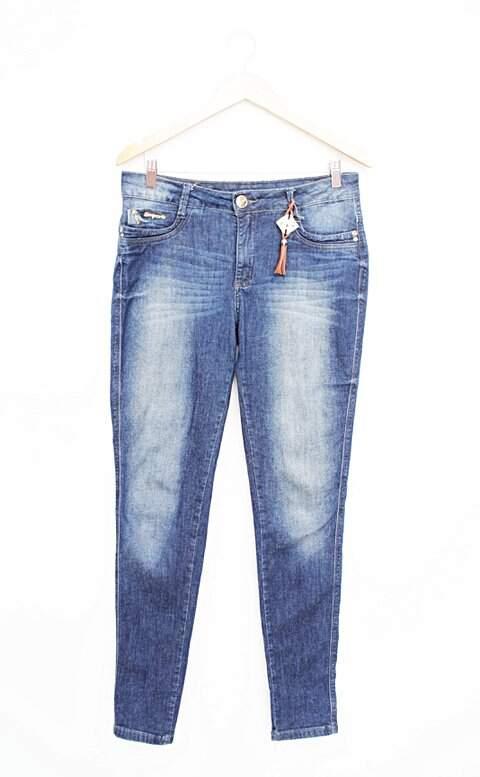 39ac1bb20 Calça Jeans Feminina Empório - compre por menos | Repassa