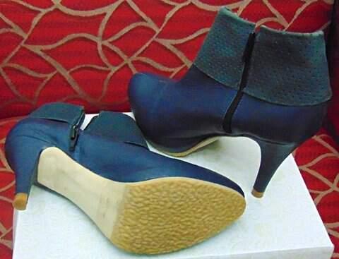 Ankle Boot Azul Marinho _foto de costas
