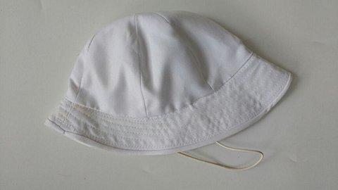 Chapéu de Bebê Branco_foto de costas