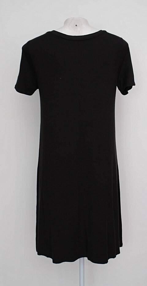 Vestido preto básico marisa_foto de costas