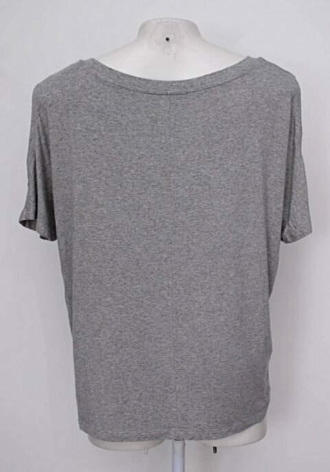 Blusa cinza estampada menina linda_foto de costas