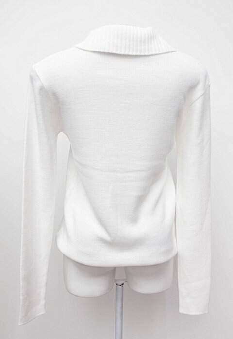 Suéter branco manga longa_foto de detalhe