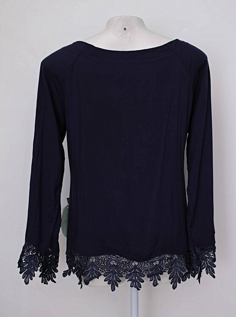 Blusa azul com renda e bordado vb girls_foto de detalhe