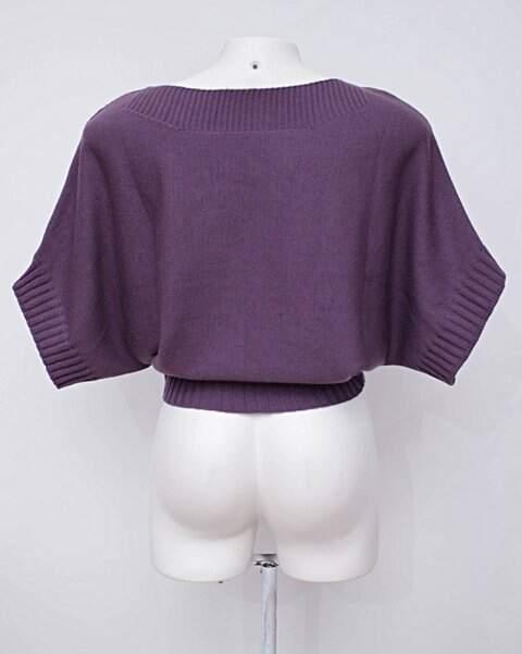 Suéter roxo feminino_foto de detalhe