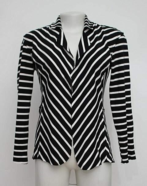 Cardigan preto e branco listrado polo wear_foto principal