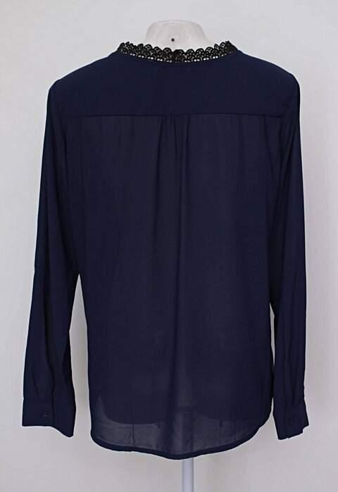 Blusa de chiffon preta e azul anany_foto de costas