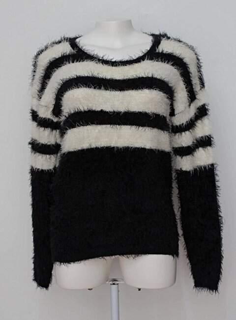 Suéter felpudo preto e branco marisa_foto principal