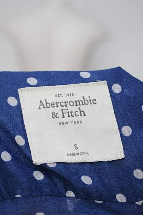 Camisa azul com poás abercrombie & fitch_foto de detalhe