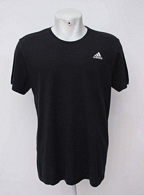 Camiseta preta adidas_foto de frente